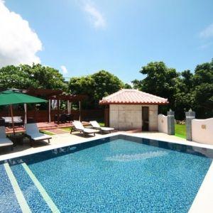 夏はやっぱり沖縄!石垣島にあるフロントビーチの絶景ホテル