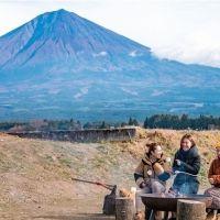 今年の春は富士山と桜に囲まれたグランピングはいかが?