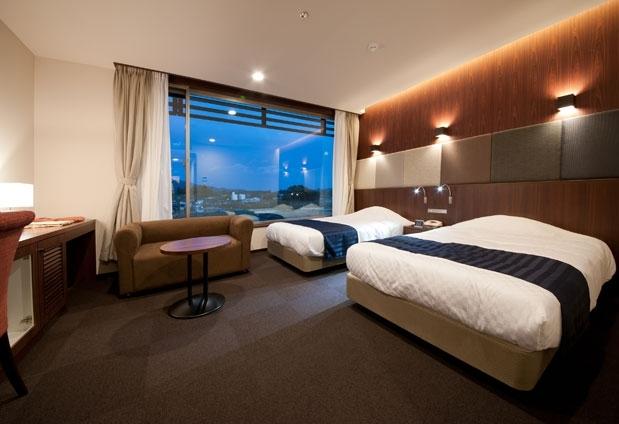 オーシャンビューの客室でのんびり|陸前高田のホテル「キャピタルホテル1000」