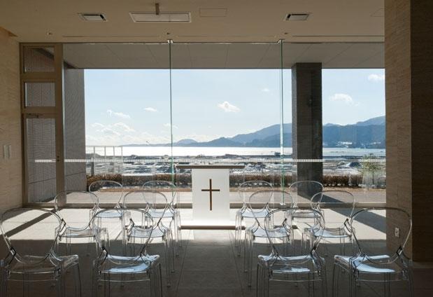 海を一望する誓いのチャペル|陸前高田のホテル「キャピタルホテル1000」