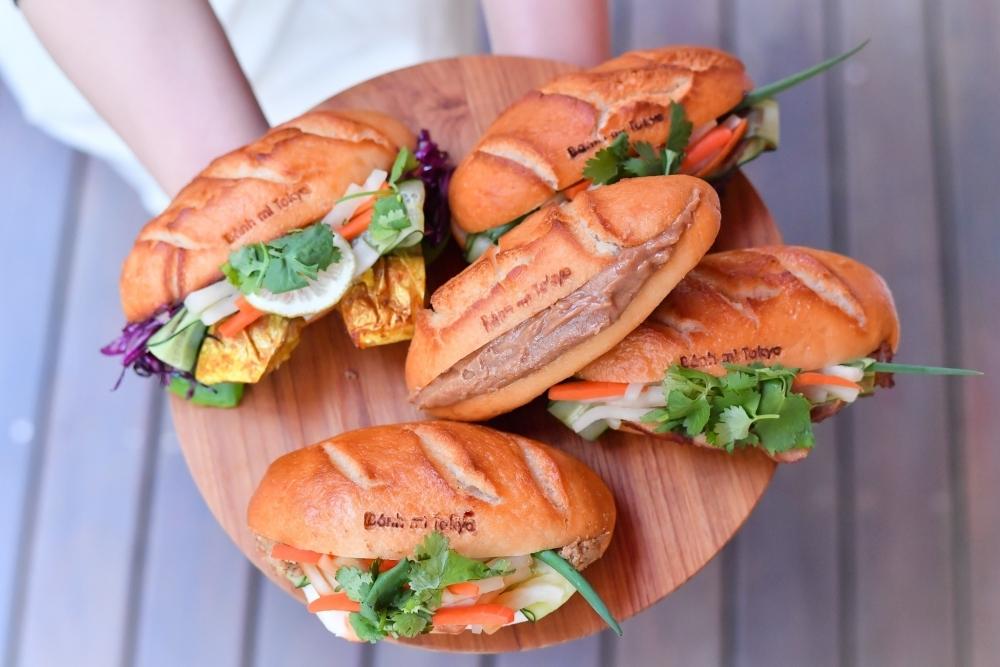 ベトナムのファストフードを、米粉や米糀甘酒などでヘルシーに!/Banh mi Tokyo