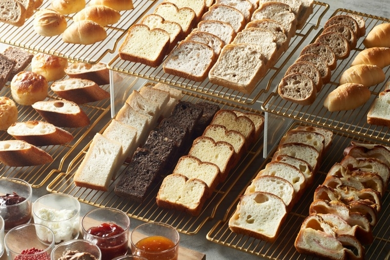定番からニューフェイスまで! 都内ホテルのベーカリーパンに注目