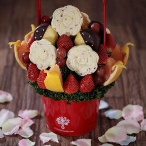 母の日の贈り物にいかが? 美味しくて楽しい「フルーツブーケ」が登場