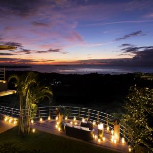 一日1組限定の沖縄プライベートオーベルジュ「LE CANA MOTOBU」で贅沢を極める
