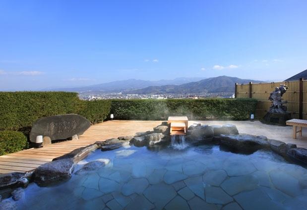 絶景を見られる露天風呂があるおすすめの宿①日本の宿 古窯