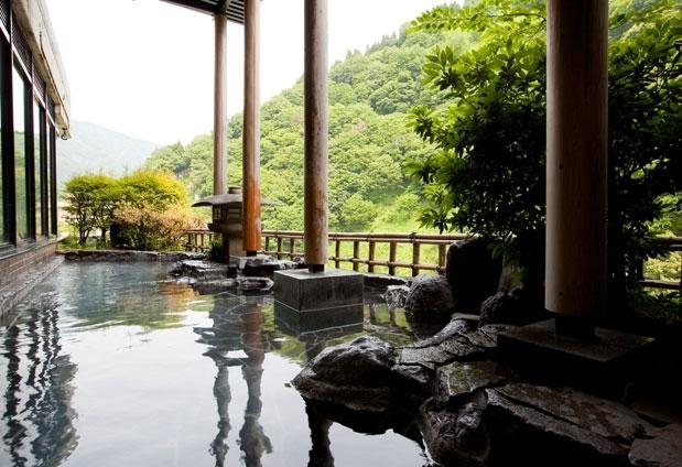 絶景を見られる露天風呂があるおすすめの宿②宇奈月温泉 延対寺荘
