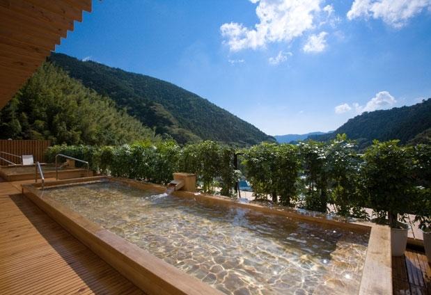 絶景を見られる露天風呂があるおすすめの宿③山翠楼