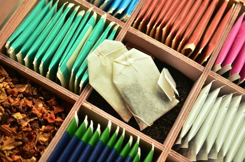 お出かけ予算を賢くゲット!じわじわ貯金、節約のテク:お茶貯金