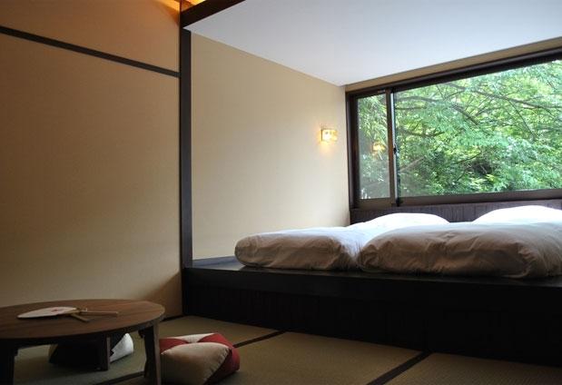 大人の贅沢な滞在を演出してくれる客室