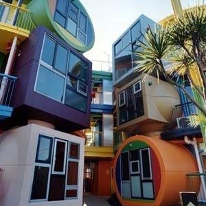 これは生で見たい!もはやアートな域の日本の不思議な建物10選!