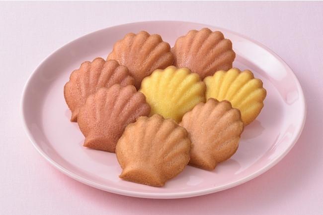 人気No.1の焼き菓子が春仕様に。銀座コージーコーナーの「ももマドレーヌ」「さくらマドレーヌ」