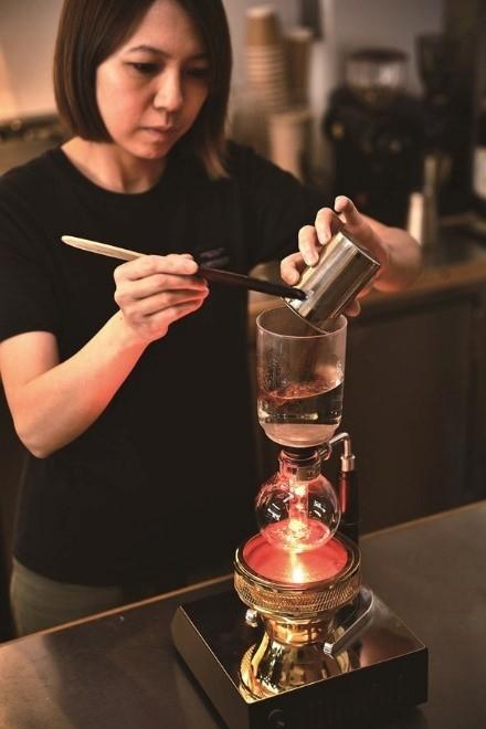 話題のナイトロコーヒーも。通好みの一杯がここに。