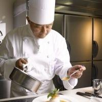 【神戸】自宅で旅の思い出を再現!? ホテルオークラの総料理長が教える料理教室