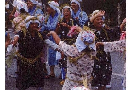 ①塩屋湾のウンガミ(海神祭)