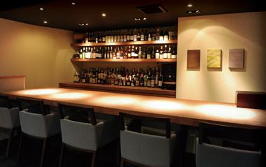 三島で酒と葉巻が楽しめるバー「ほかげ -穂影-」の魅力②大人の隠れ家