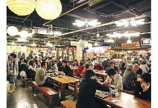 小豆島と名所を巡る4泊5日の旅プラン4日目:「ひろめ市場」にて昼食