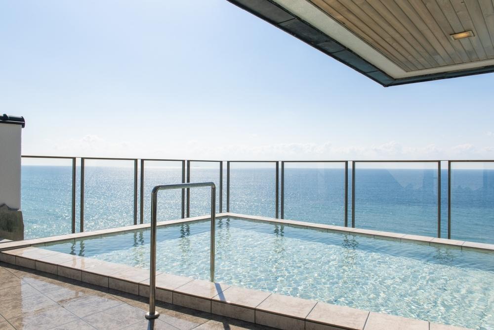 津軽海峡を一望できる露天風呂