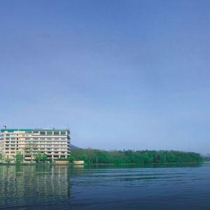 北海道阿寒湖のほとりにある「あかん遊久の里 鶴雅」で心和らぐ宿泊を