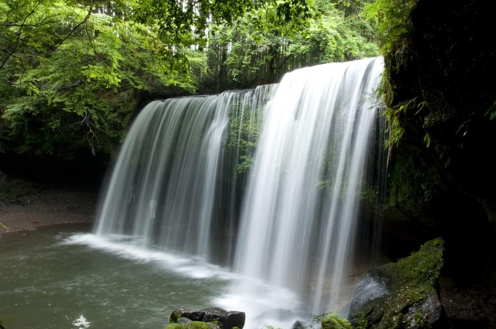 滝の裏側から眺める景色がスゴイ…!熊本県の絶景の宝庫「鍋ヶ滝」その2