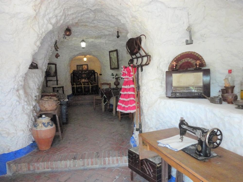 ハーブティーの袋と、赤い紙ナプキン/モトリル(スペイン)