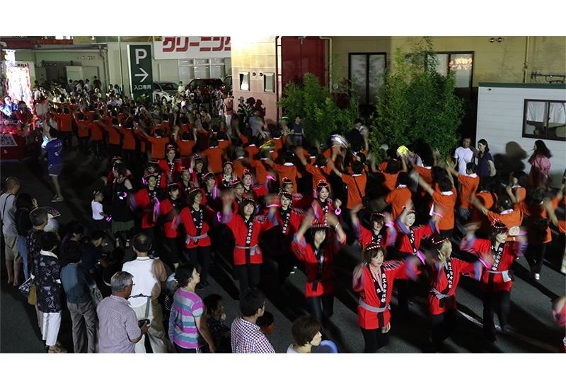 参加者が一体となる圧巻の総踊り「小豆島まつり」