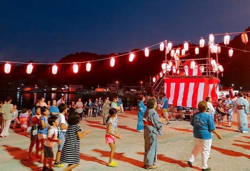 飛び入り参加大歓迎の「海(わたつみ)のまち豊漁豊作祭・盆踊り」