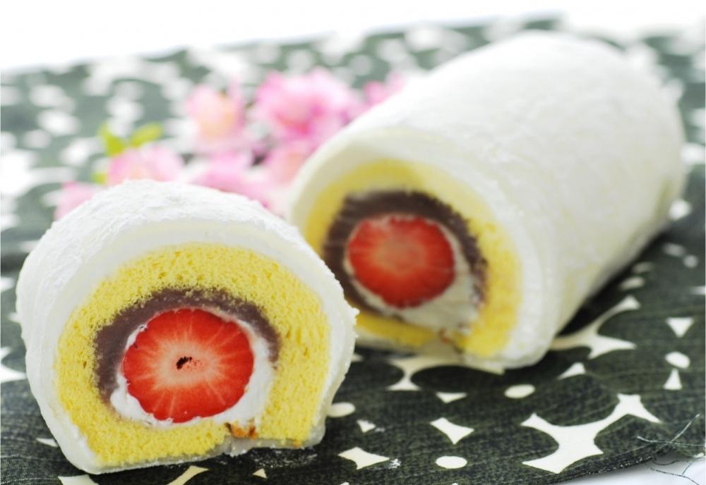 和と洋のいいとこどり「羽二重ロールケーキ」(博多あまおう)