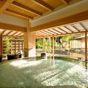 誰にも邪魔されずに贅沢な時間を。露天風呂付客室がある東北の宿4選