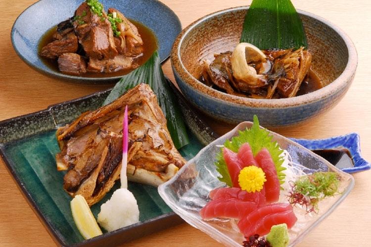 宮崎名物グルメと焼酎を味わえる宴会