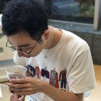バリスタ・柳隆晴さんがコンビニ4社のアイスコーヒーを飲み比べ! 【2020年夏編】