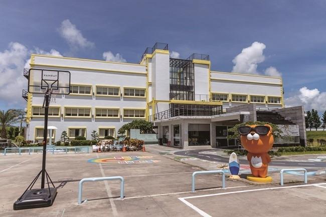 「星光館」は、美しい夕陽と星空を心ゆくまで楽しむためのホテル。