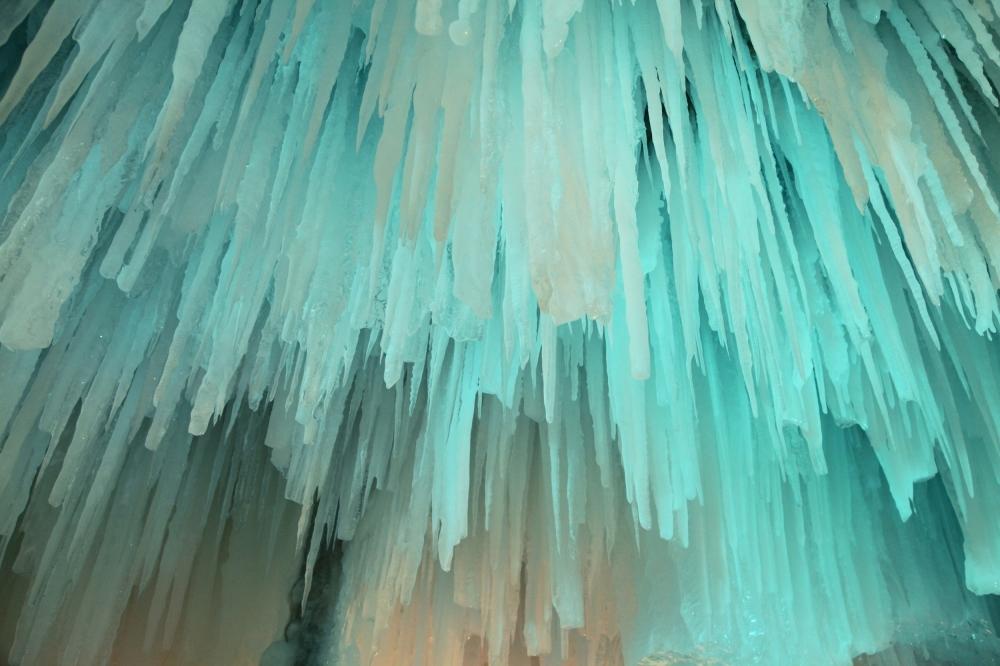 「大雪山」の氷像がシンボル。トンネルの中には……