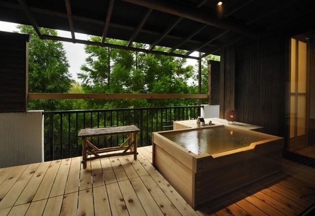 「ゆのごう美春閣」の魅力①檜造りの露天風呂付客室