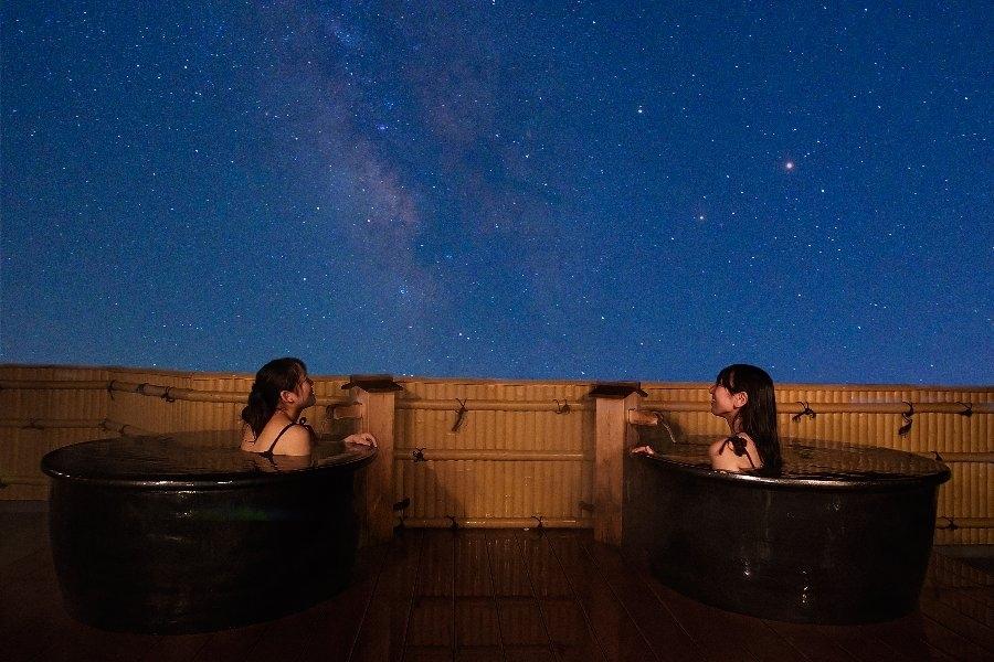星空を見上げながらのんびりと|「星見露天風呂」が楽しめる宿・長野県「池の平ホテル」