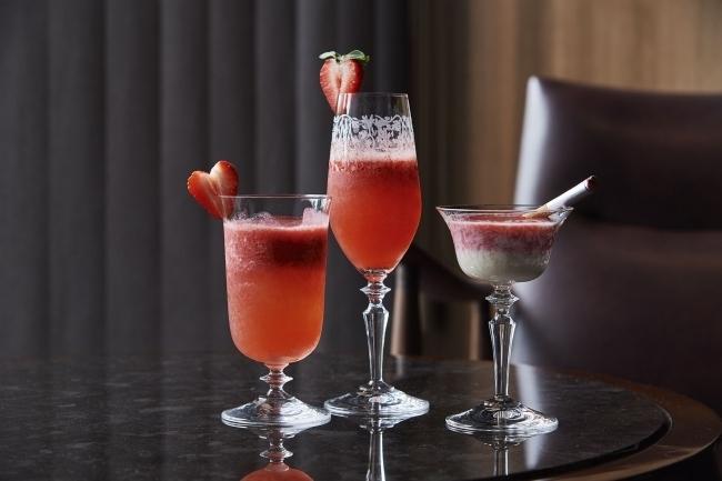 甘酸っぱい大人の味を楽しむ「苺カクテル&バレンタイン期間限定ウイスキーペアリング」(東京)