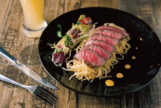 創作イタリアンに舌鼓。館内レストランは、メルヘンな内装でも話題。