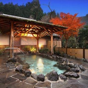 紅葉の季節こそ宿泊したい!「赤目四十八滝」近くの老舗旅館