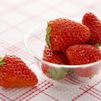 魅惑のジューシーさ。全国で注目の大粒イチゴと絶品スイーツ