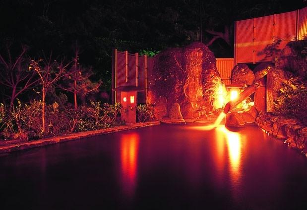 歴史ある温泉でリフレッシュ!