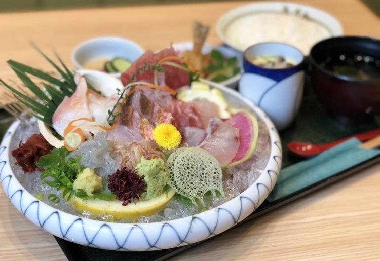 鮮度抜群の海鮮料理が自慢「魚留商店」