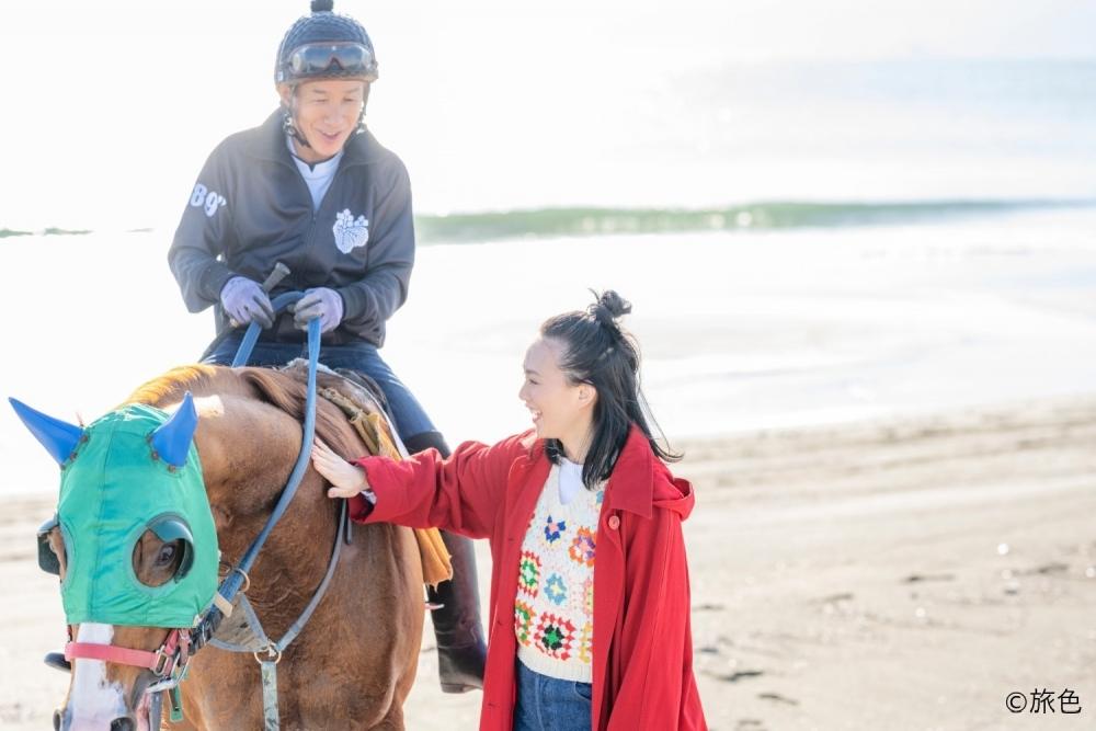 波打ち際を走る競走馬のトレーニングに感動!