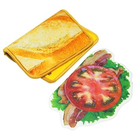【BLT】旅のお供に。一見サンドイッチなベーコンレタスブックカバーが発売中!その2