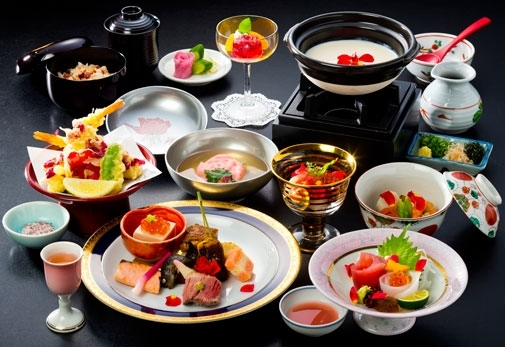 歴史ある寺院で絶品の会席料理が味わえる「霊山寺天龍閣」