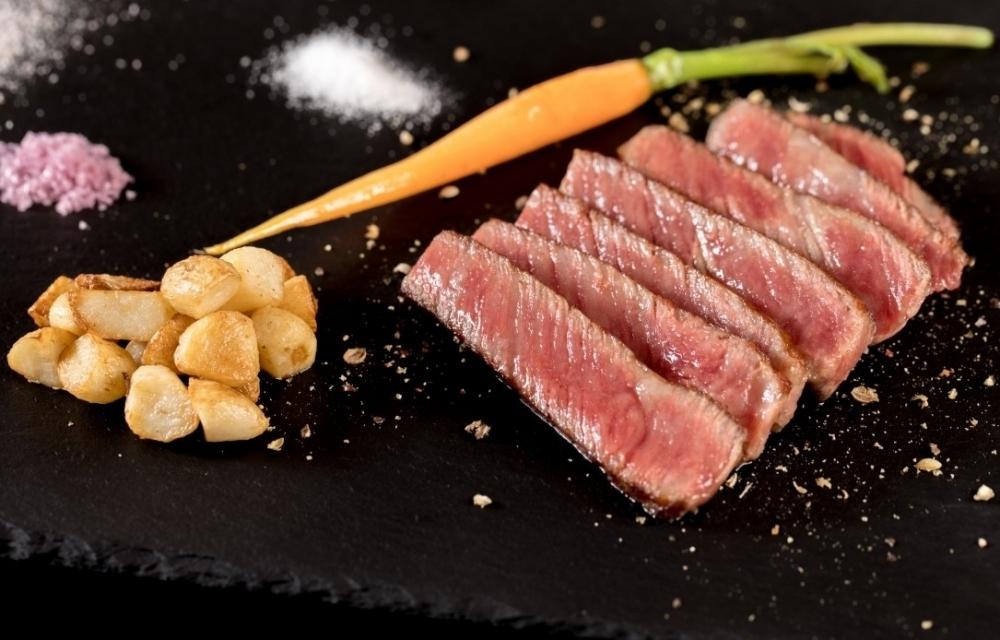 【台湾情報】A5ランク和牛、アワビやフォアグラ…パフォーマンスを眺めながらご褒美級の高級食材を堪能その3