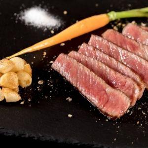 【台湾情報】A5ランク和牛、アワビやフォアグラ…パフォーマンスを眺めながらご褒美級の高級食材を堪能