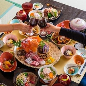 新鮮で美味しい海の幸を堪能。名物の魚介料理が楽しめる宿4選