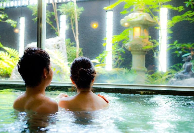 天然温泉を贅沢に楽しもう