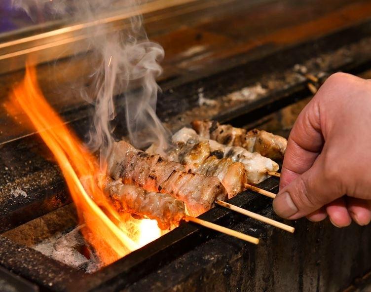 鮮度抜群の鶏を使用し、一本一本丁寧に焼き上げた串焼き