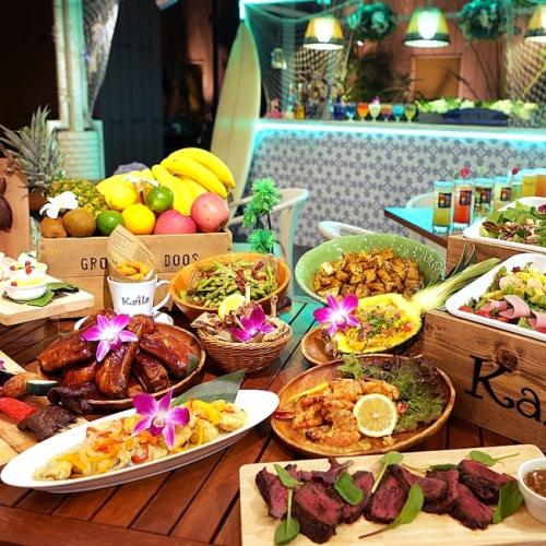 「星空ビアガーデン Aloha Night」でハワイの味を楽しもう【東京】