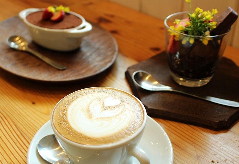 コーヒーもスイーツも自信作